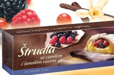 Vanilla and wild berries strudel
